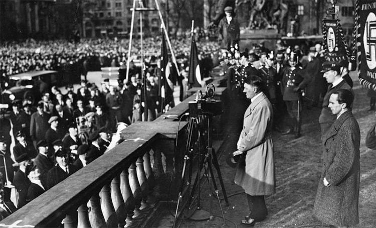 Le talent d'orateur d'Hitler dans Mein Kampf