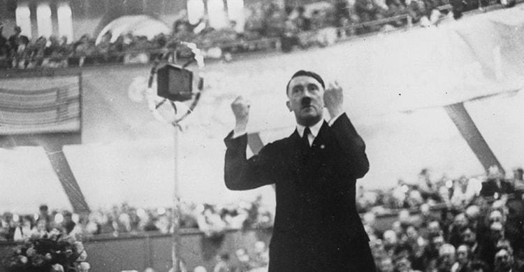 l'éloquence puissante d'Hitler dans Mein Kampf