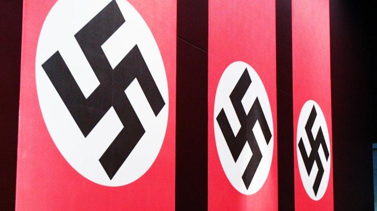 le swastika dans Mein Kampf