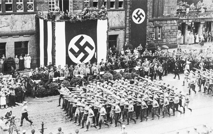 l'État nazi dans Mein Kampf