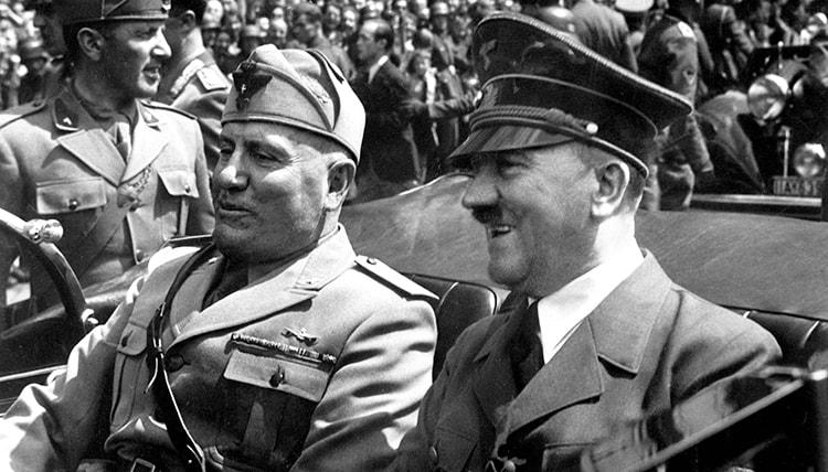 Hitler et Mussolini dans Mein Kampf