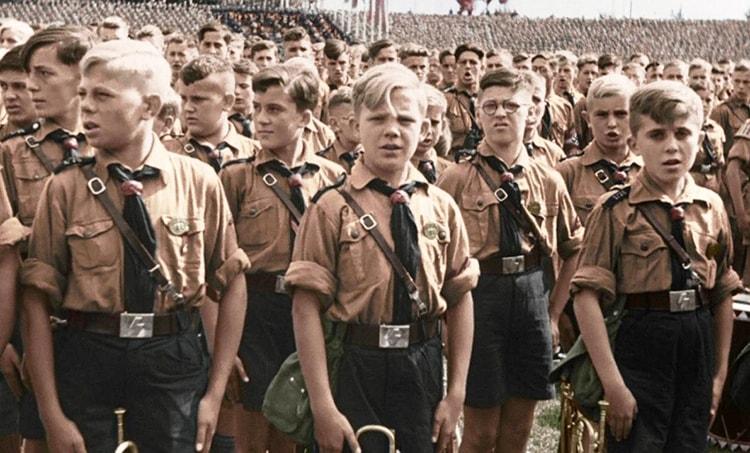 l'éducation de la jeunesse dans Mein Kampf