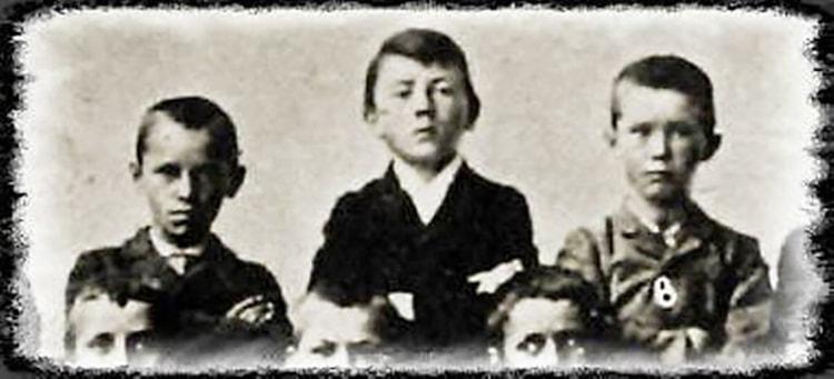 Hitler enfant dans Mein Kampf